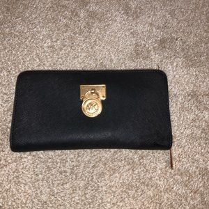 Michael Kors Zip Around Black Wallet